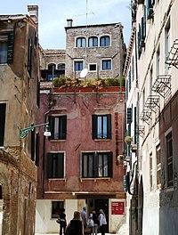 Rio Tera d Mandola Pal Fortuny Venezia Venezia.jpg