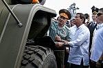 Rodrigo Duterte and Sergey Shoigu (2017-10-25) 01.jpg