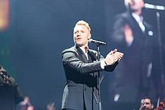 Ronan Keating - 2016330211523 2016-11-25 Night of the Proms - Sven - 1D X II - 0544 - AK8I4880 mod.jpg