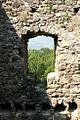 Ruine-Nünegg Fenster-Westwand.jpg