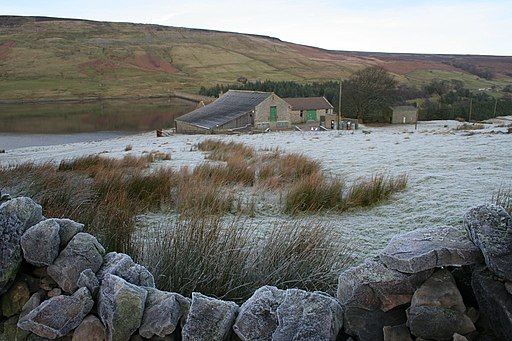 Ruined wall above Scar House Reservoir - geograph.org.uk - 1063760