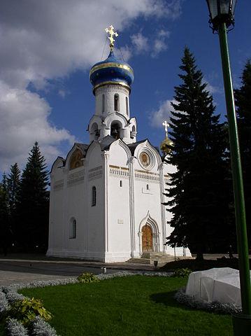 http://upload.wikimedia.org/wikipedia/commons/thumb/f/f5/Russia-Sergiev_Posad-Church_of_Holy_Spirit.jpg/359px-Russia-Sergiev_Posad-Church_of_Holy_Spirit.jpg?uselang=ru