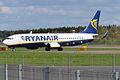 Ryanair, EI-EFX, Boeing 737-8AS (17466211215).jpg