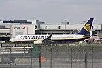 Ryanair Boeing 737-800 EI-EPC @LGW, March 2014.jpg