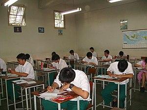 Bahasa Indonesia: SMA Trinitas, Ulangan Umum