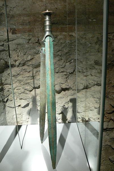 Archivo:SMWM - Bronzezeit Schwert 2.jpg