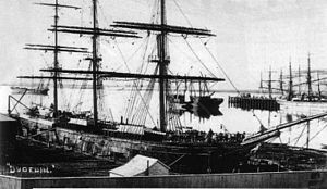 Dunedin (ship) - The Dunedin loading at Port Chalmers in 1882.