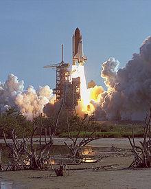 220px-STS-41-D_launch_August_30%2C_1984.