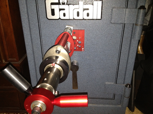 Safe-cracking - Safe-drilling w/ drill rig