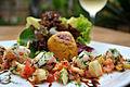 Salada de lagostins flamdados na cachaça ao vinagrete de caju.jpg