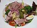 Salade strasbourgeoise au cervelas et emmental (Au Dauphin, Strasbourg).jpg