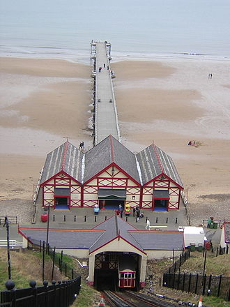 Saltburn-by-the-Sea - Saltburn-by-the-Sea pier and cliff lift
