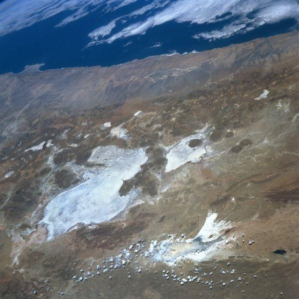 Fichier:Satellite image Salar de Uyuni - Coipasa - Lake Poopo.jpg