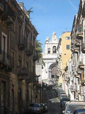 http://upload.wikimedia.org/wikipedia/commons/thumb/f/f5/Scenografica_veduta_del_Santo_Carcere.jpg/360px-Scenografica_veduta_del_Santo_Carcere.jpg