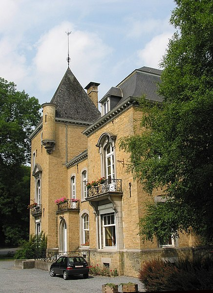 Schaltin  (Belgium), the castle (XVI/XIXth centuries).