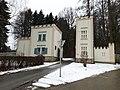 Schloss Oberthal, Zufahrt.jpg