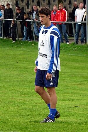 Sergio Escudero (footballer, born 1989) - Escudero training with Schalke 04 in 2010