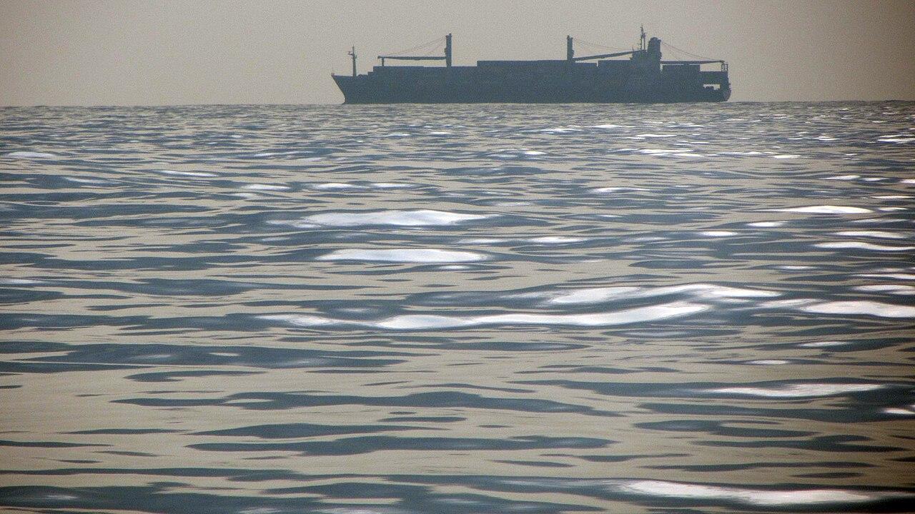 ShipSilhouette-SriLanka2012.JPG
