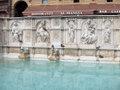 Siena.Campo.Gaia.fountain02.jpg