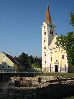 Sisak Holy cross church.JPG