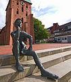 Skulptur Schusterjunge (1996 von Georg Arfmann) in Wittingen IMG 9237.jpg