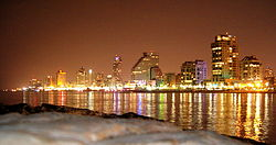 Skyline of Tel Aviv by night.jpg