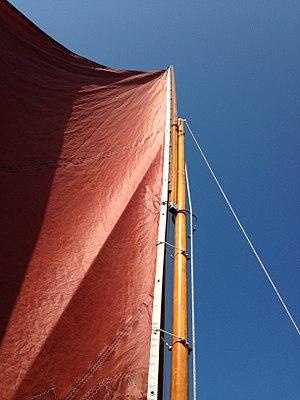 Gunter - Sliding gunter sail rig on Drascombe Lugger Onkahye