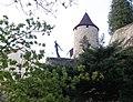Socha Metuje a věž Zázvorka - panoramio.jpg
