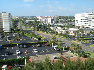 South Palm Beach, Florida - Route A1A runs through the center of town built between the Atlantic Ocean and the Intracoastal (2008)