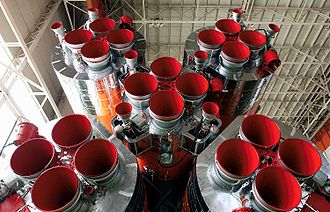 Vernier thruster - The first and second-stage engines of a Soyuz, showing the four RD-107 modules with twin vernier nozzles each, and the central RD-108 with four steerable vernier thrusters.