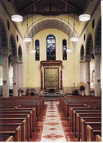 St. John the Evangelist Church (Cambridge, Massachusetts) - Image: St. John's interior 98
