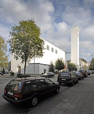 Iglesia del Corpus Christi, Aachen (1928–1930) involucrado como empleado de Rudolf Schwarz