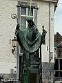 Standbeeld van Sint Servaas te Maastricht.jpg