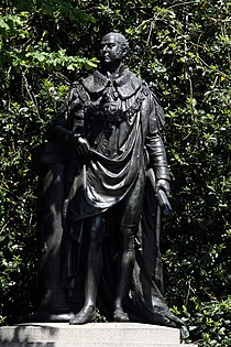Statue of Prince Edward in the end of Portland Palace in London, June 2013 (4).jpg