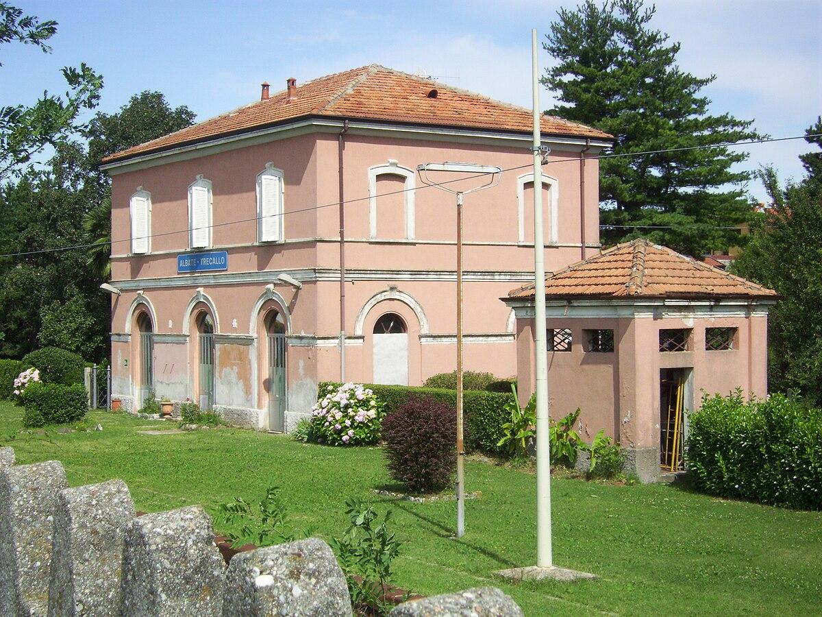 Stazione di albate trecallo wikipedia for 1 1 2 piani di cottage storia