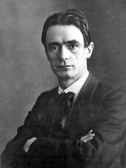 "Rudolf Steiner, occultist philosopher and founder of ""anthroposophic agriculture"", later known as ""biodynamic"". Steiner um 1905.jpg"