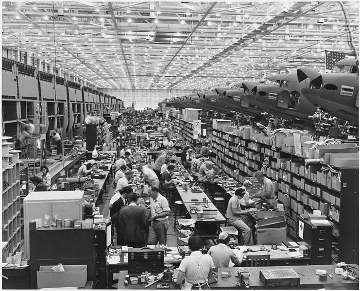 קובץ:Stockroom at the Long Beach, Calif., plant of Douglas Aircraft Company. - NARA - 195485.jpg