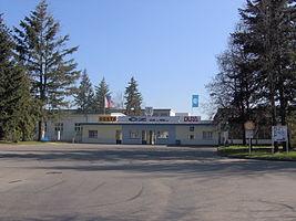 267px Strakonice Ceska zbrojovka entrance - Ява и чезет отличия