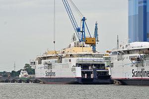 Stralsund, Volkswerft (2012-06-28), by Klugschnacker in Wikipedia (3).JPG