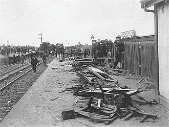Sunshine rail disaster - The wreckage on the platform on the morning following the accident