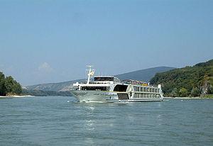 Swiss Tiara (ship, 2006) 002.jpg