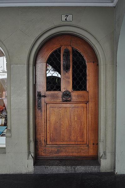 File:Tür Kramgasse 7.JPG