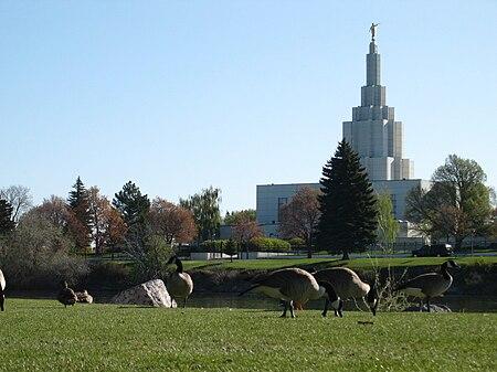 O templo de Idaho Falls visto de outro ângulo.