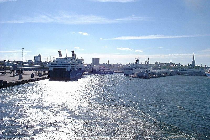 File:Tallinn Port on September 12, 1999.jpg