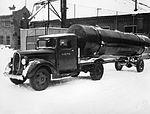 Tankbil ved Ørens mekaniske Verksted.jpg