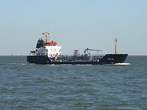 Tanker Finja 2012-08-12 (1).jpg