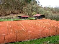 Tennisplatz Bonbaden.jpg