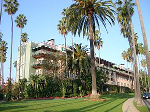 The Beverly Hills Hotel - The east wing (called the New Wing) of The Beverly Hills Hotel as seen from Crescent Drive