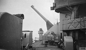 BL 18 inch Mk I naval gun - On board Lord Clive; her BL 18 inch gun is at its full elevation, November 1918