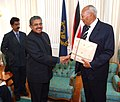 The Union Minister of Overseas Indian Affairs, Shri Vayalar Ravi shaking hands with the President of Trinidad and Tobago, Prof. George Maxwell Richards, in Port of Spain on June 1, 2007.jpg